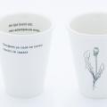 PLINT 'VERGEET JE NIET' porseleinen beker met gedicht
